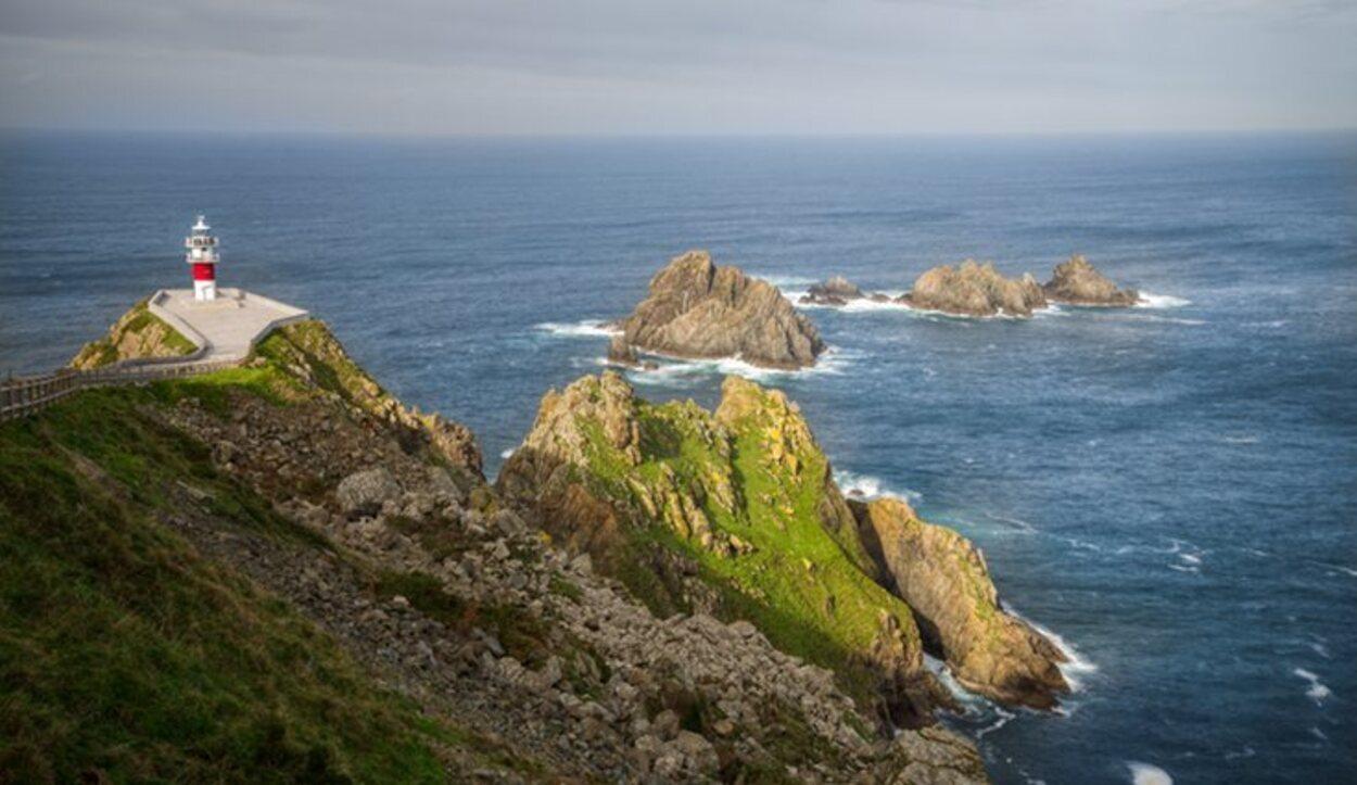 Cabo Ortegal con Os Aguillóns enfrente