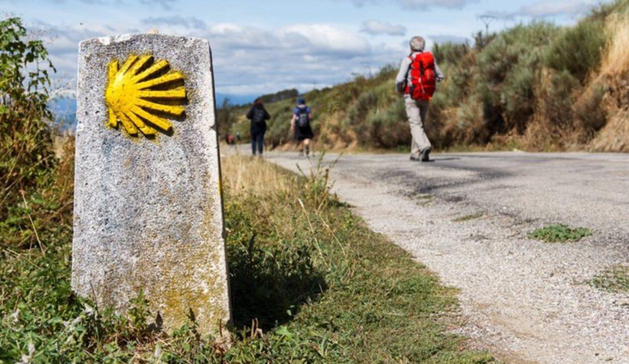 Para conseguir la acreditación andando hay que hacer mínimo 100 km