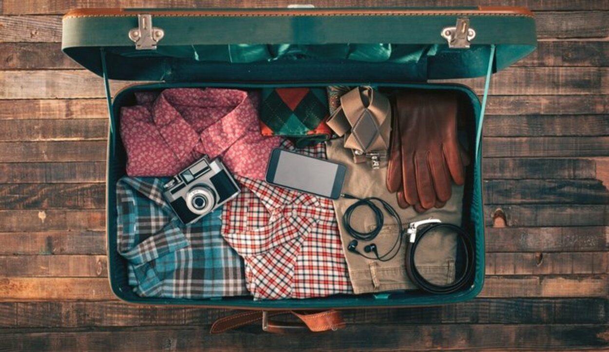 En clase Primera y Business en el avión se puede llevar a bordo dos maletas que no superen los 15 kg en total