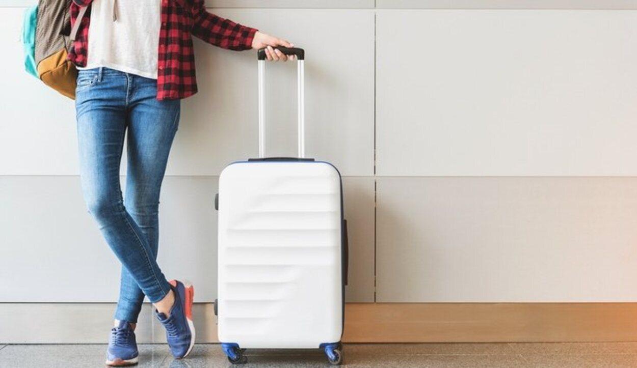 Las maletas que cumplan los requisitos de equipaje de mano se facturarán gratis