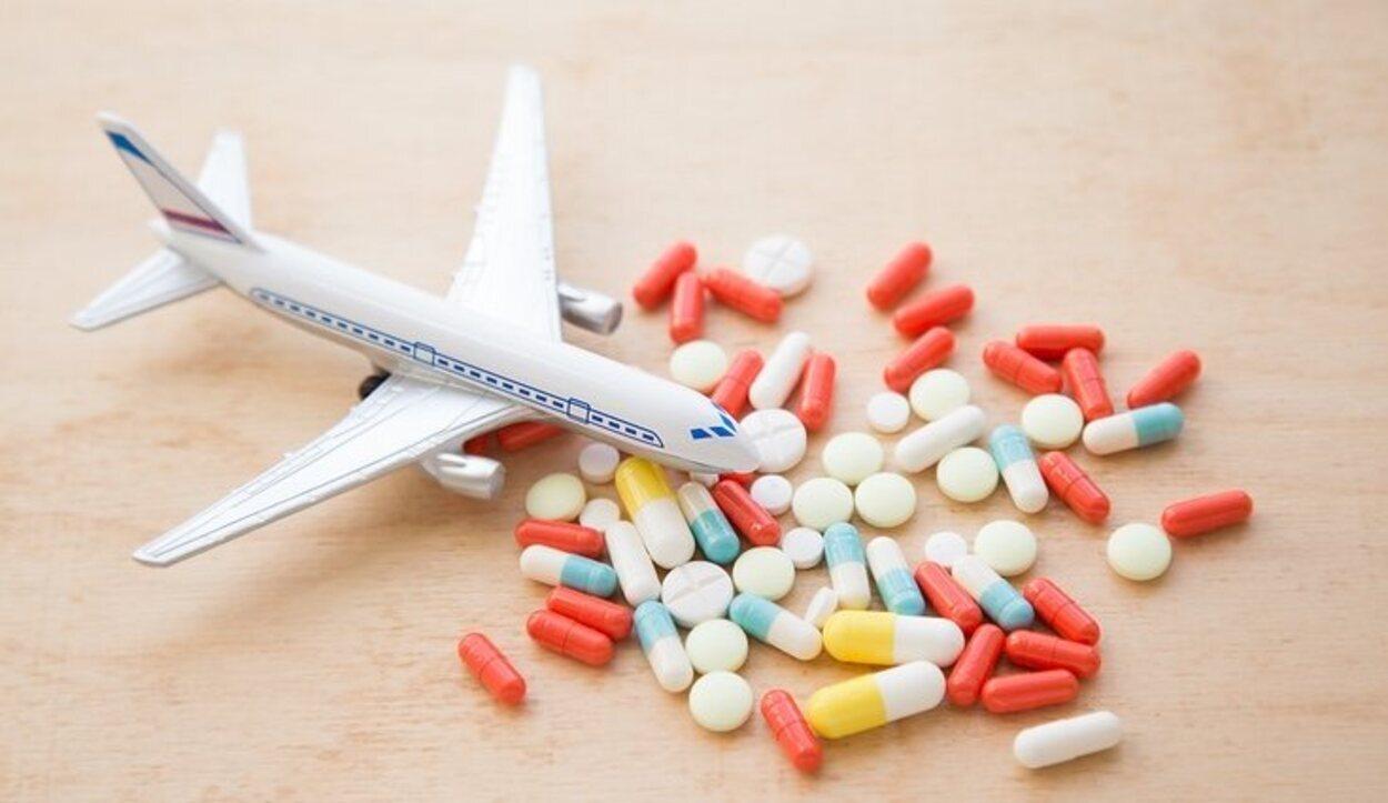 En KLM se permite llevar medicamentos siempre que se tenga certificado médico