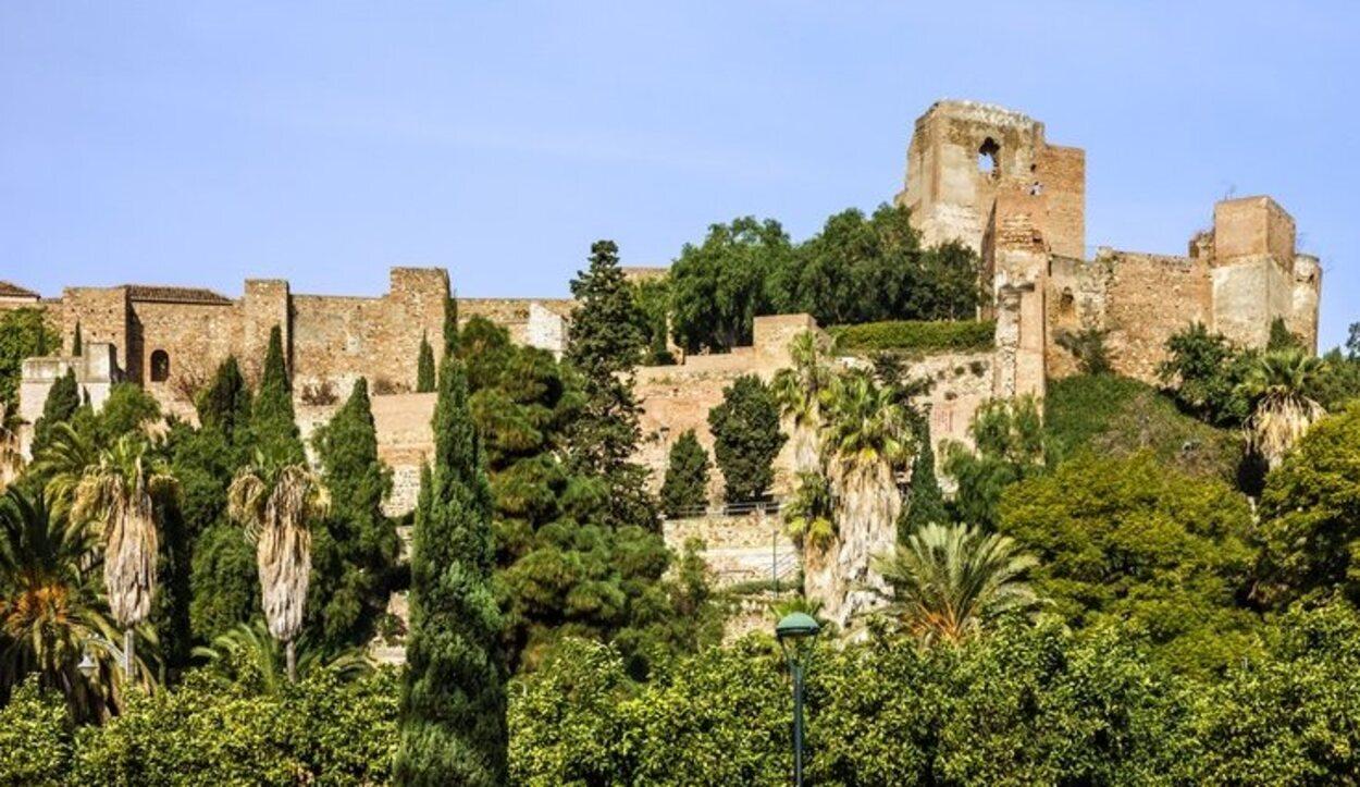 La Alcazaba es una de las muchas construcciones que hicieron los árabes en el pasado