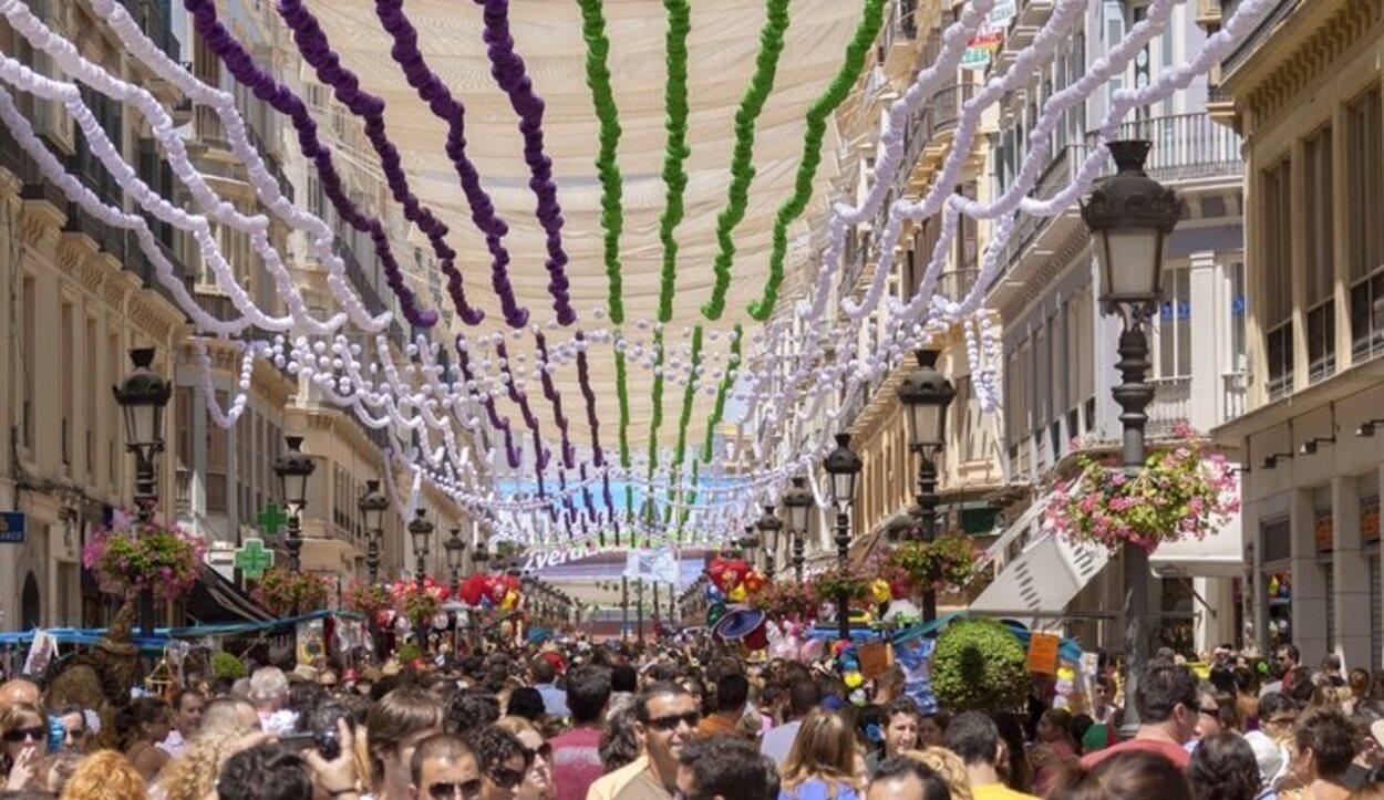 La calle Larios vestida de gala para la Feria de Málaga
