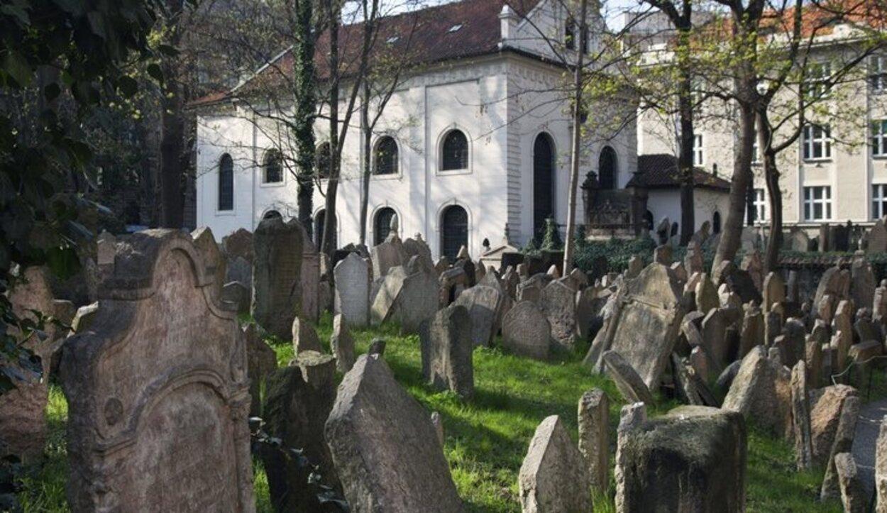El antiguo cementerio judío es el más antiguo de Europa