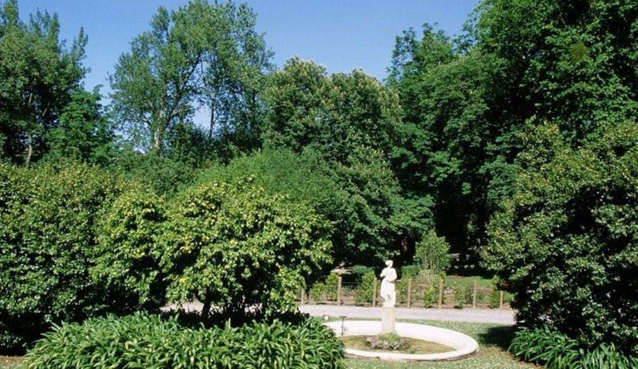 El Jardín Botánico fue inaugurado en 2003 y cuenta con 25 hectáreas de extensión