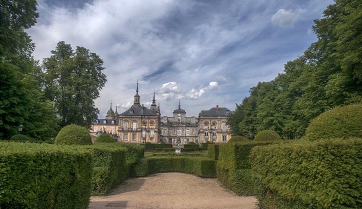 En la Sierra de Guadarrama encontrarás el majestuoso Palacio de La Granja