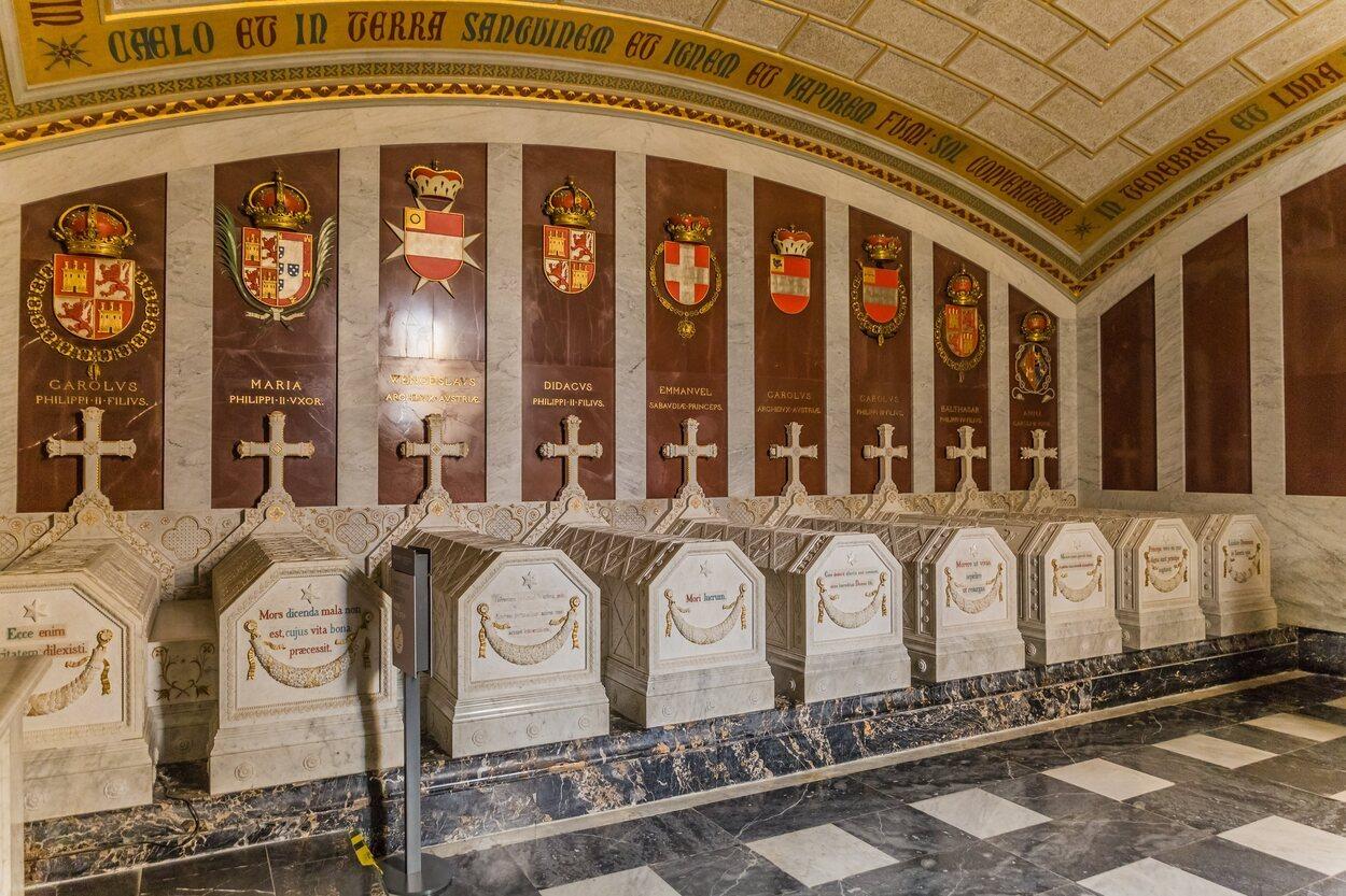 El Panteón de Infantes alberga a los Infantes e Infantes de España que quisieron ser enterrados en este lugar
