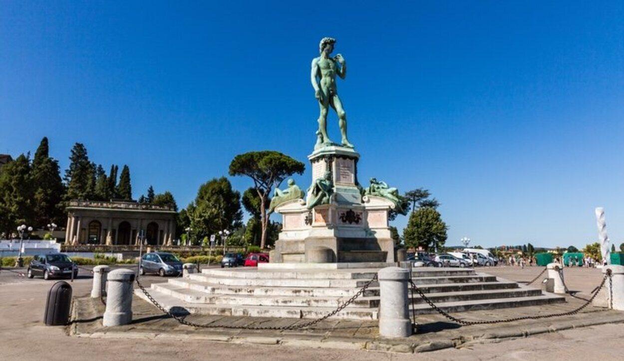 La estatua David de Miguel Ángel en la Piazzale Michelangelo