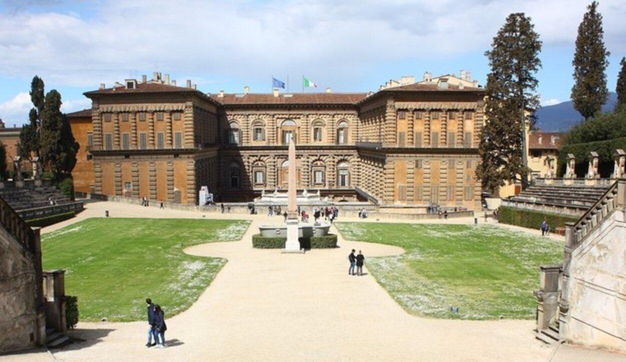 El Palazzo de Pitti está cerca del Ponte Vecchio