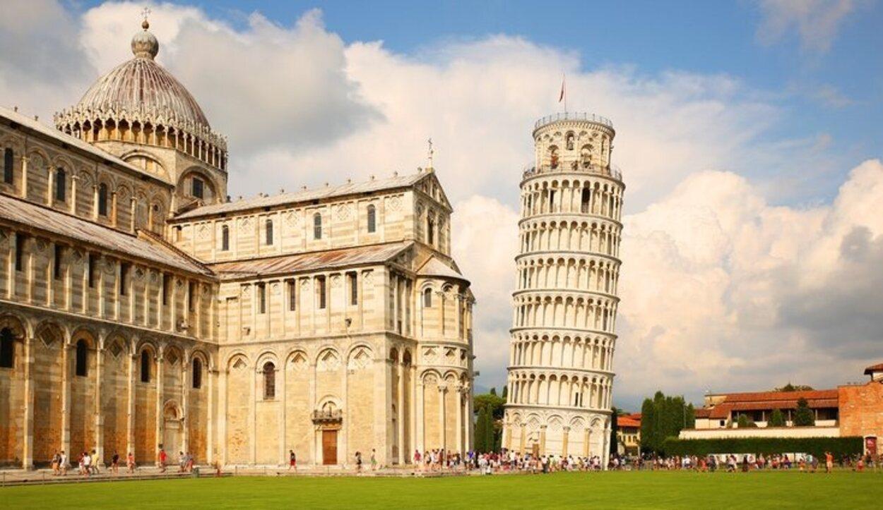 En los alrededores de Florencia se puede visitar la Torre de Pisa