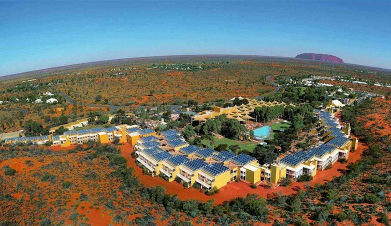 En la zona se cuenta con un resort con todos tipo de servicios / Foto: ayersrockresort.com.au