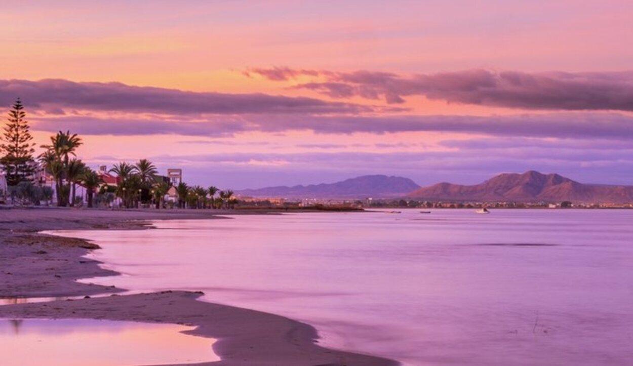 En Los Urrutias se puede disfrutar de una de las mejores puestas de sol del Mar Menor