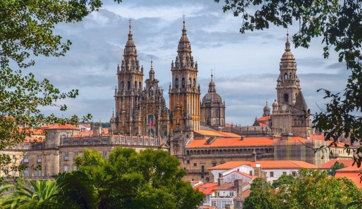La Catedral de Santiago de Compostela es una de las más famosas de España