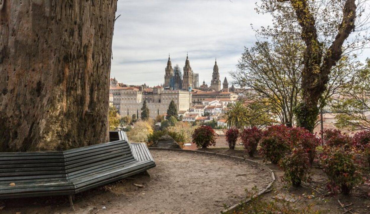 La catedral de Santiago vista desde el Parque de la Alameda