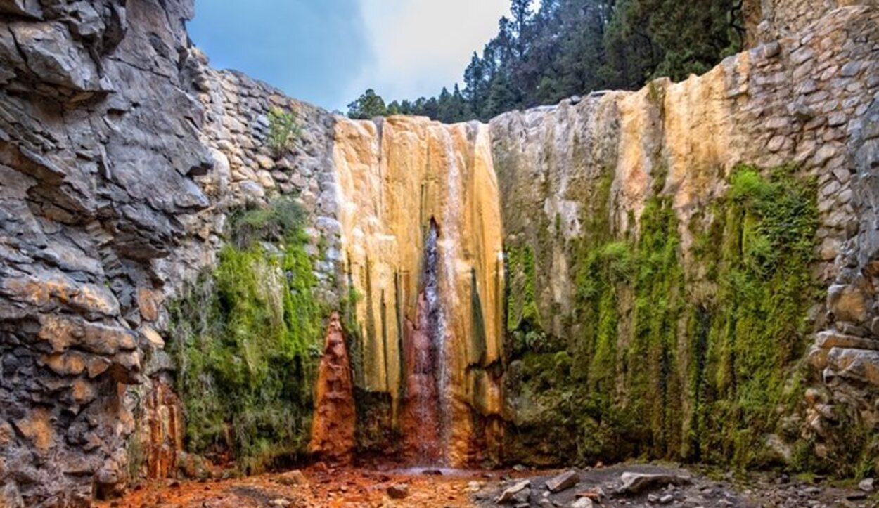 Caldera de Taburiente cuenta con la características 'Cascada de colores'
