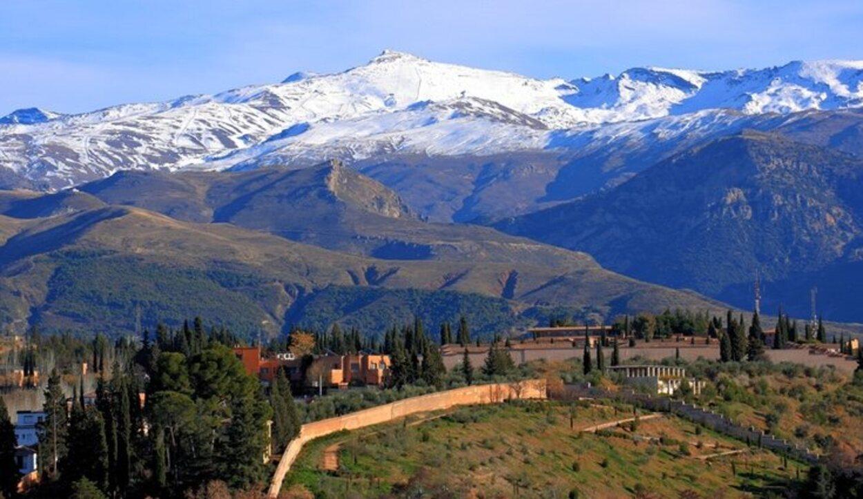 Sierra Nevada posee el pico más alto de la Península Ibérica, el Mulhacén