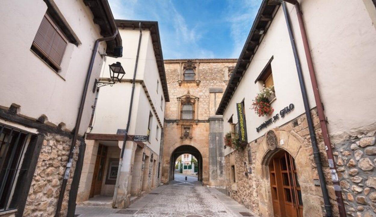 Las calles de Covarrubias nos transportan a un lejano pasado medieval