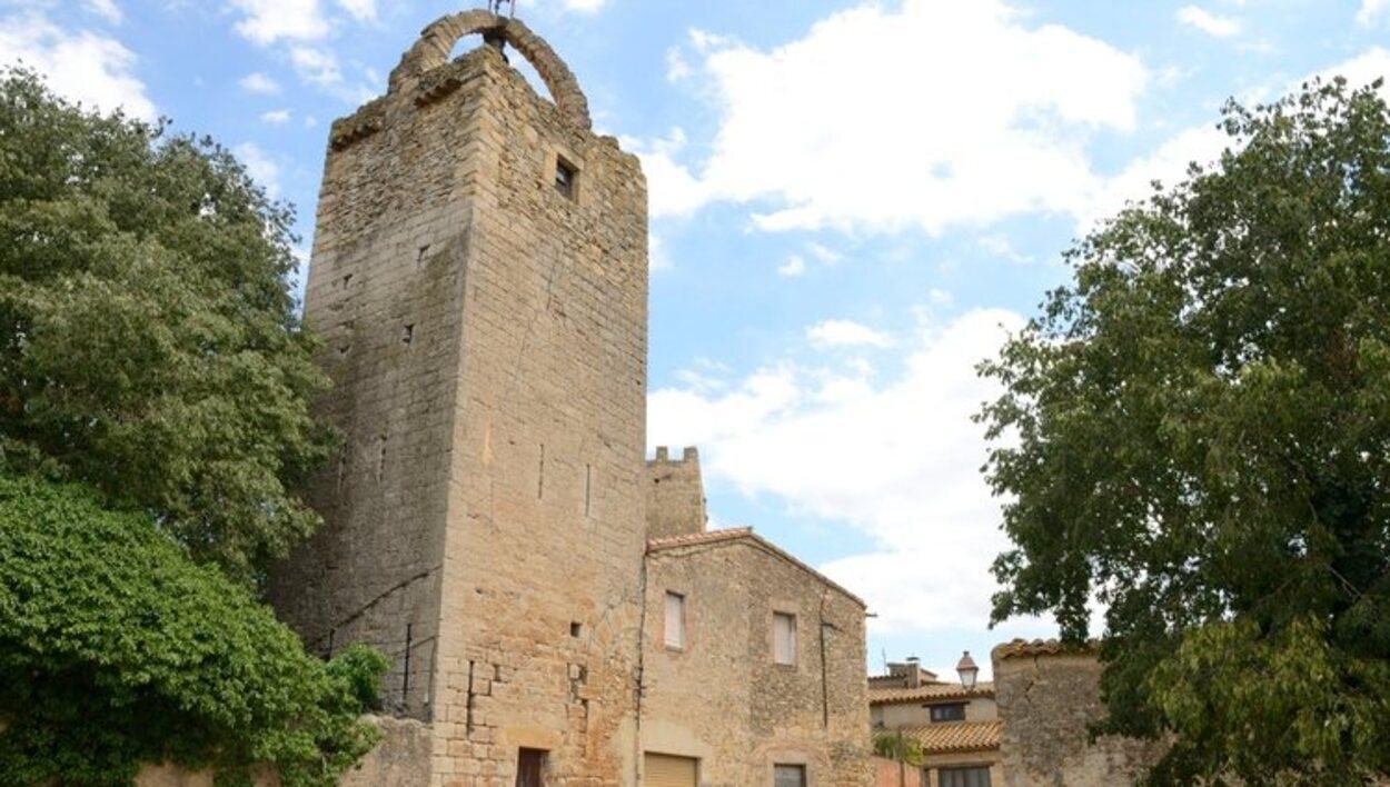 Torre de piedra en Peratallada