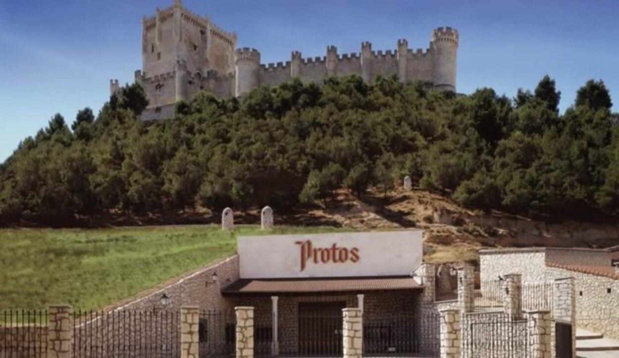 Esta bodega se encuentra a lo pies del Castillo de Peñafiel