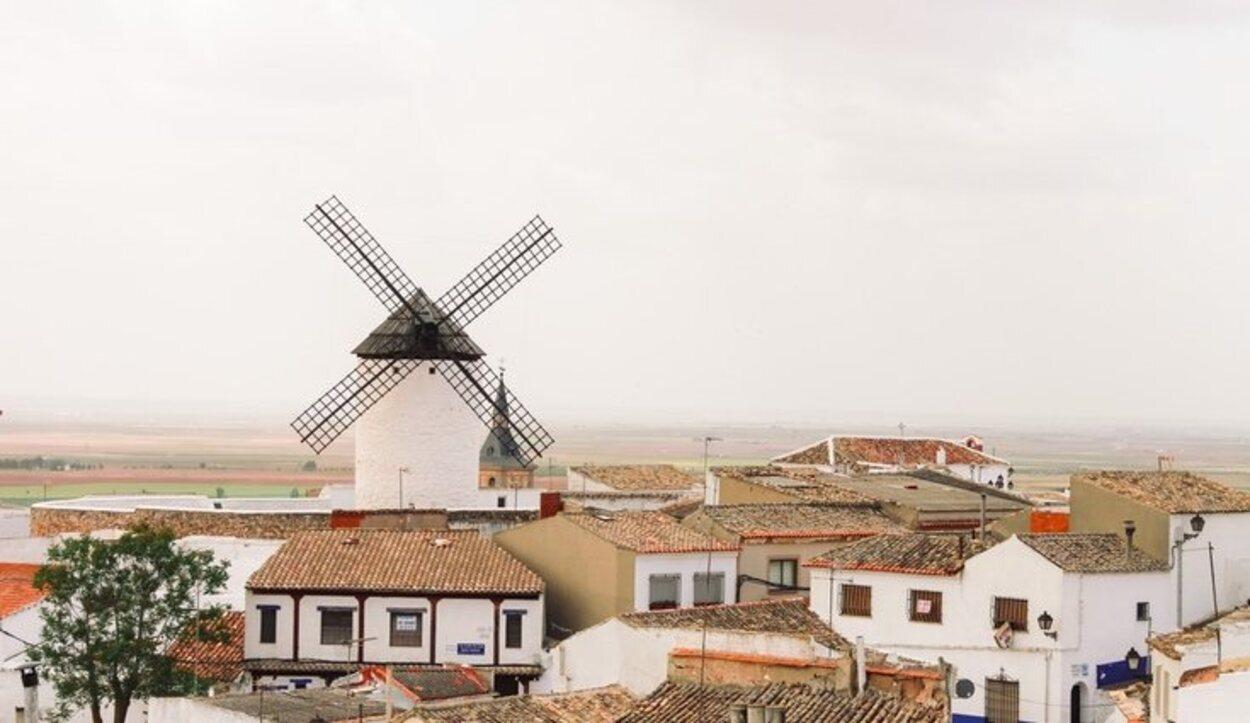 Campo de Criptana un pequeño pueblo perdido en mitad de la Mancha al igual que nuestro protagonista Don Quijote