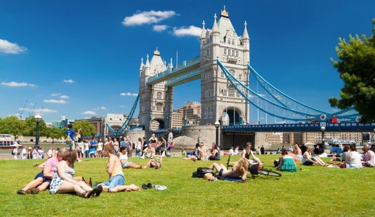 Visitar Londres en verano también es una gran elección aunque podemos llevarnos alguna sorpresa con las lluvias