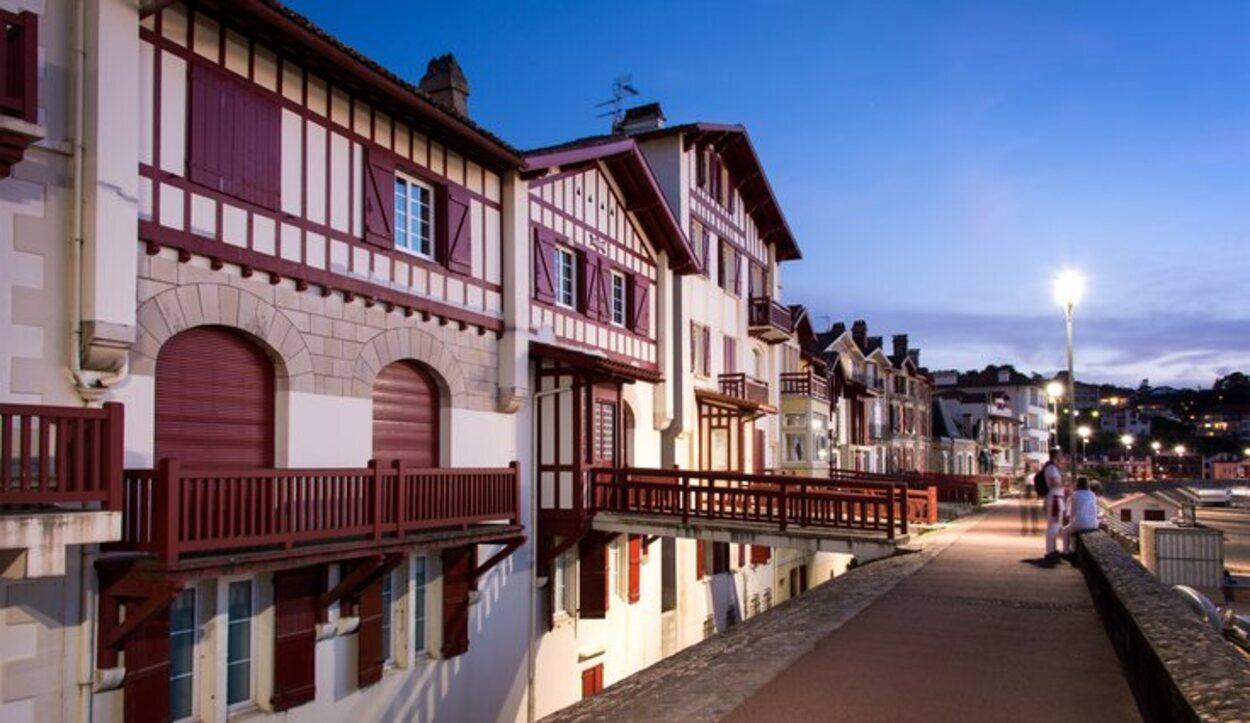 Comparte la misma arquitectura que el País Vasco español