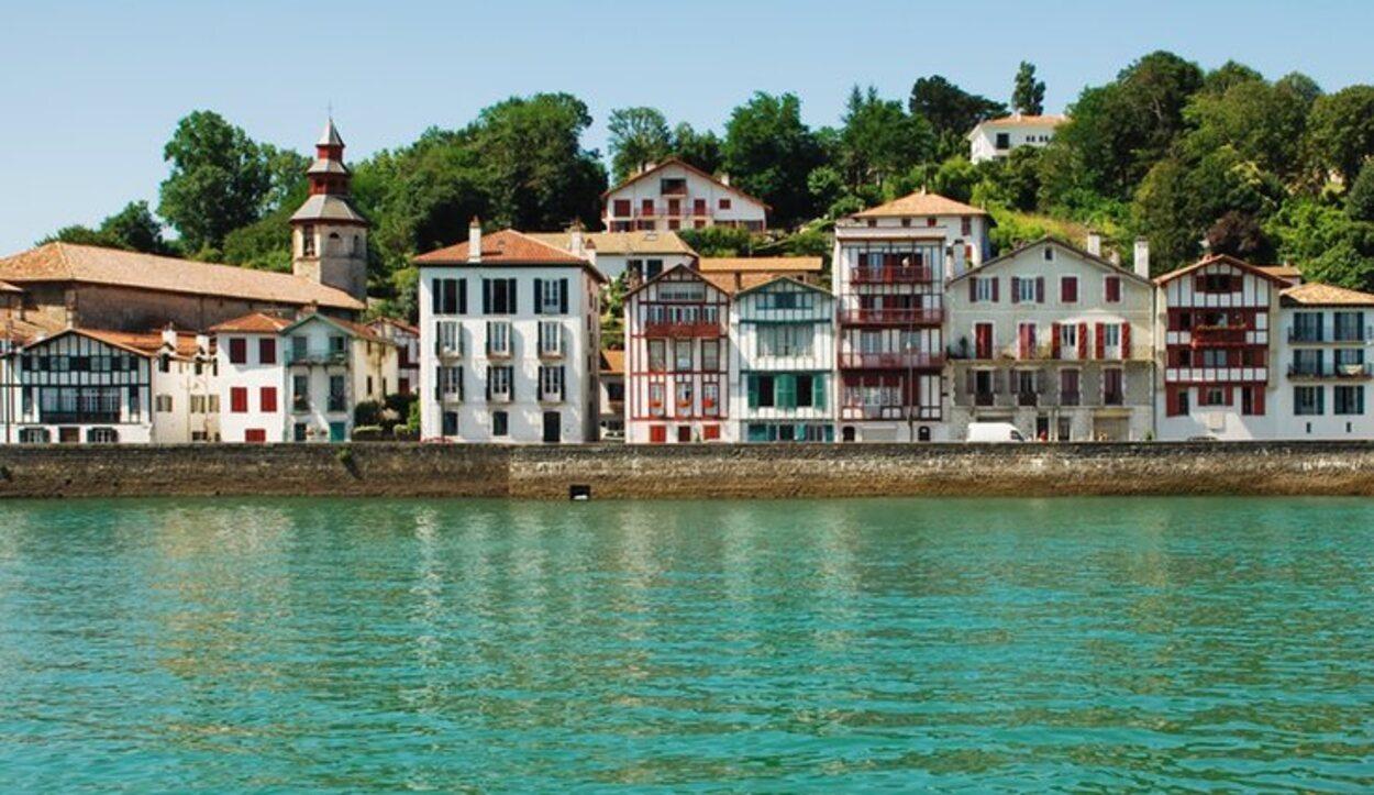 San Juan de Luz se ha hecho famoso por su balneario