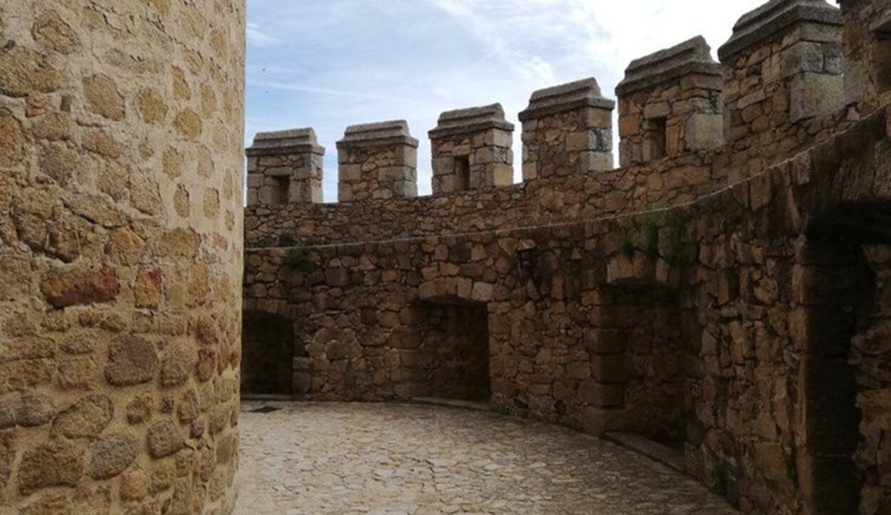 Recorrer las zonas altas del Castillo puede retrotraerte a otra época