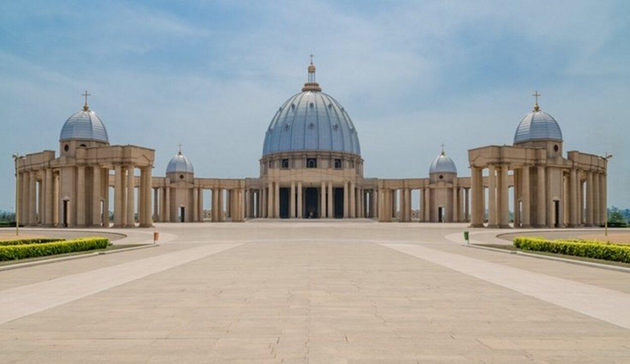 La Basílica de Nuestra Señora de la Paz en Costa de Marfil
