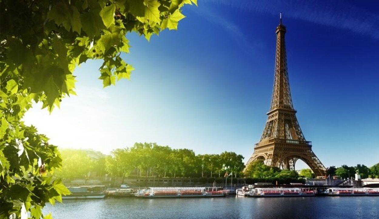 La Torre Eiffel es el monumento más transitado de París