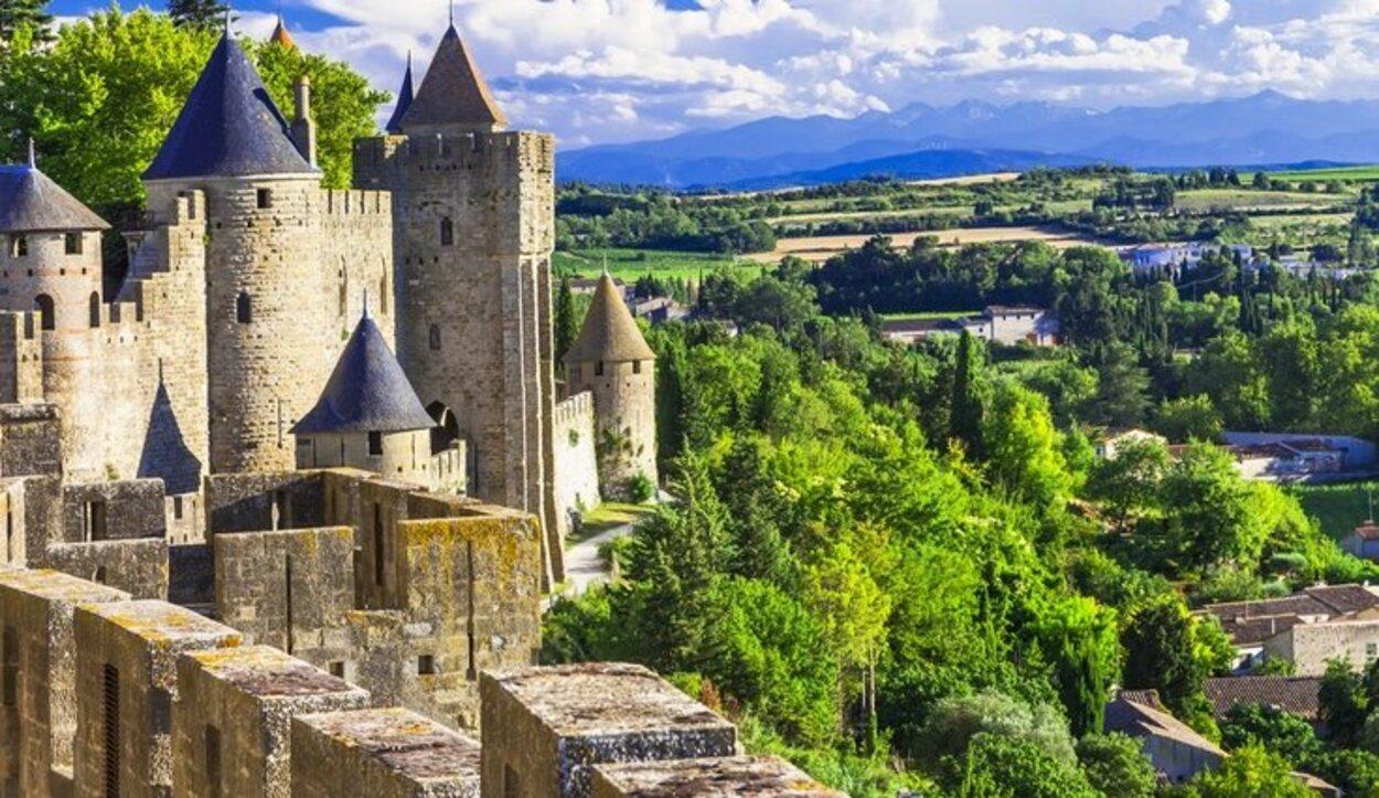 Subir al castillo es la excusa perfecta para sacarse una gran foto con las vistas del paisaje