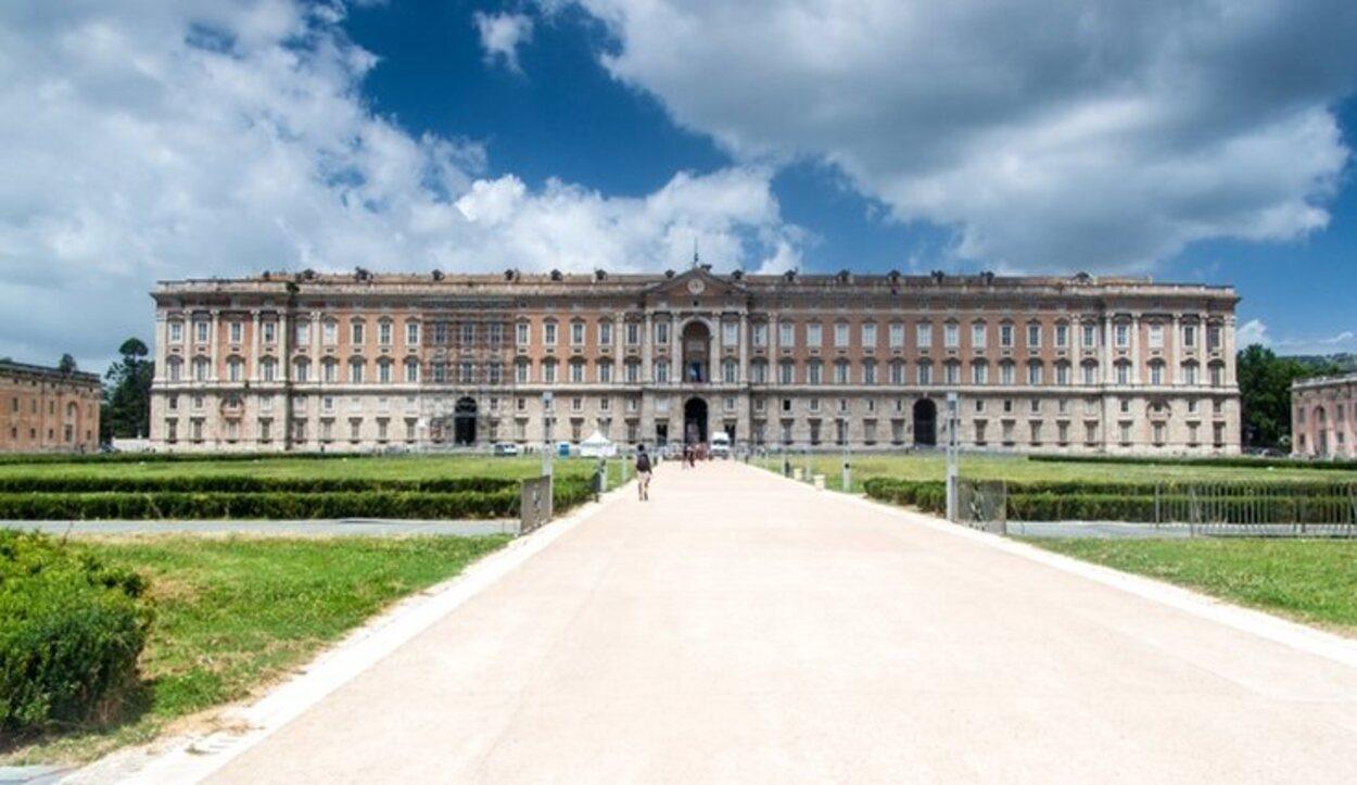 El Palacio Real de Caserta se asemeja al Palacio Real de Madrid