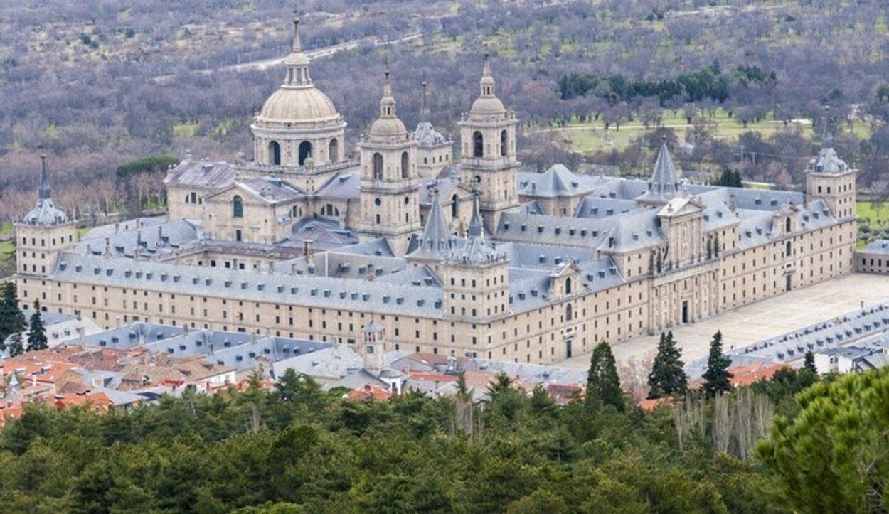El Real Monasterio de San Lorenzo de El Escorial es considerado la octava maravilla del mundo