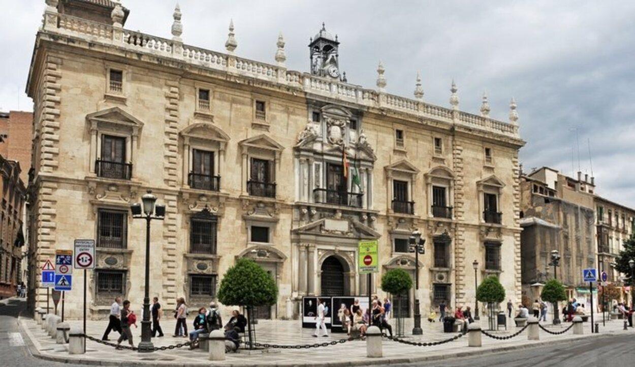 Real Cancillería en la Plaza Nueva
