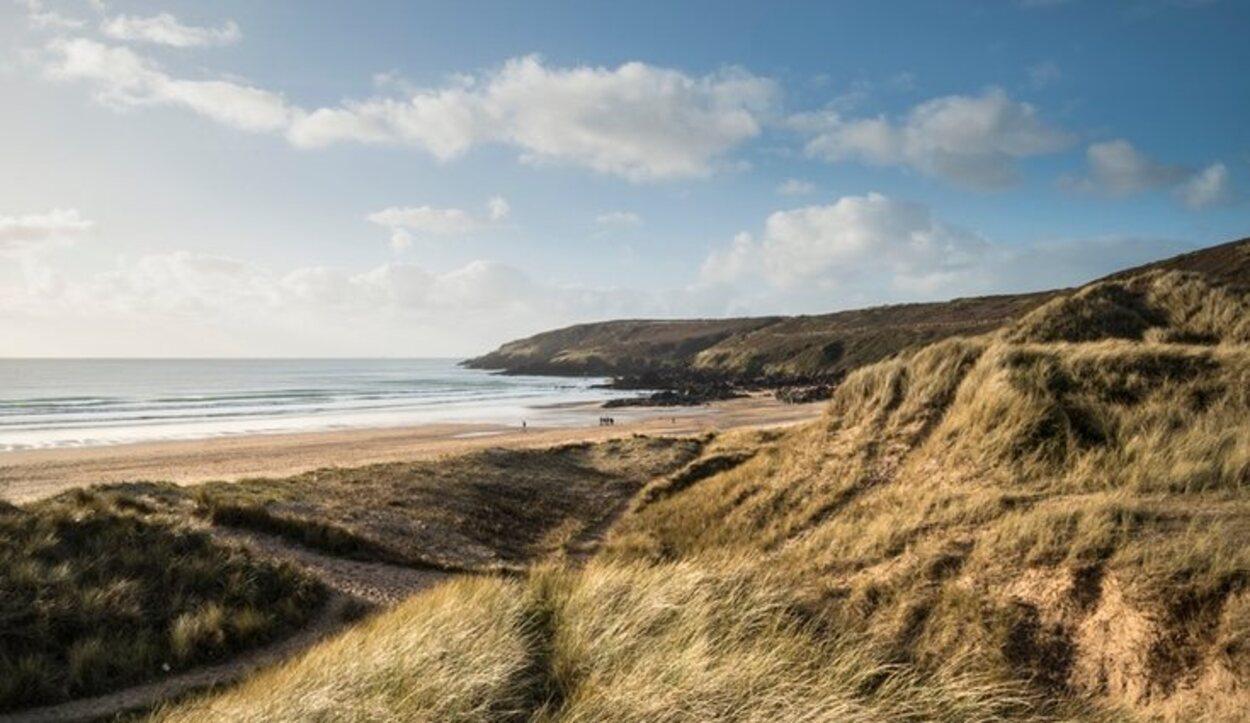 En esta playa se imita el santuario que Harry Potter le hizo a Dobby