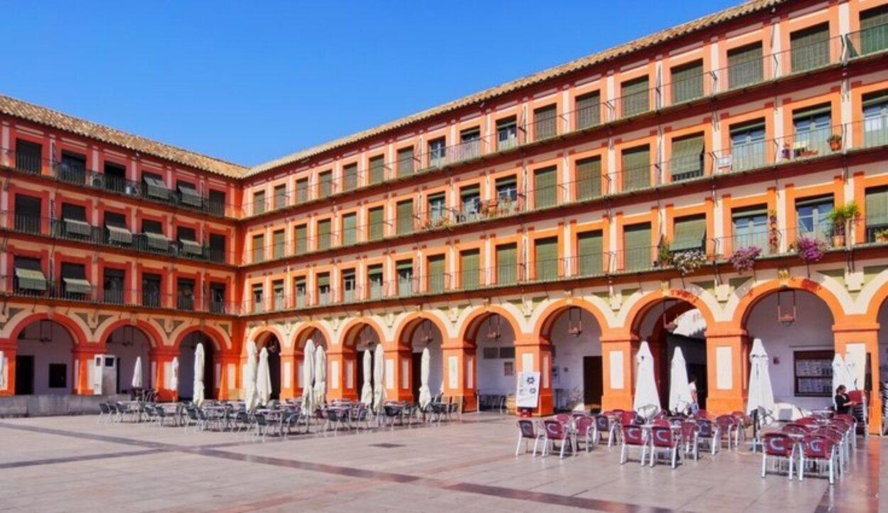La plaza de la Corredera lo tiene todo:belleza, historia y curiosidades