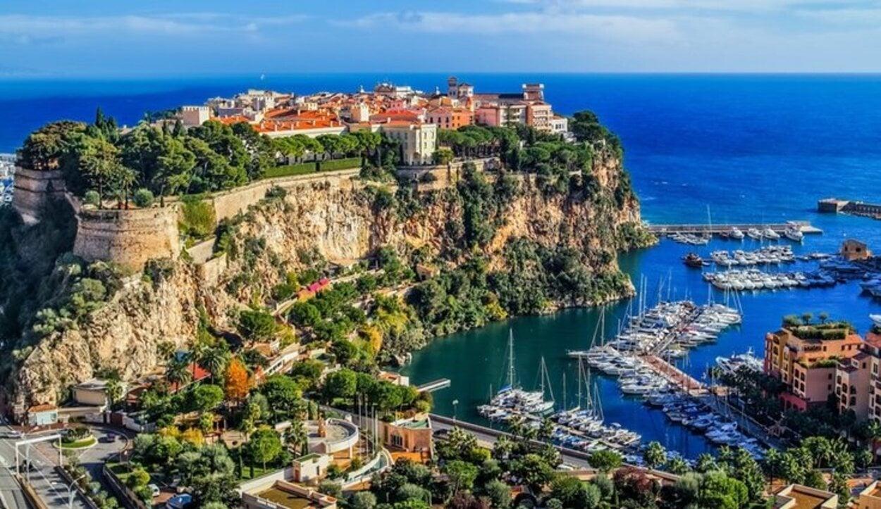 Se le conoce históricamente como Puerto Hércules