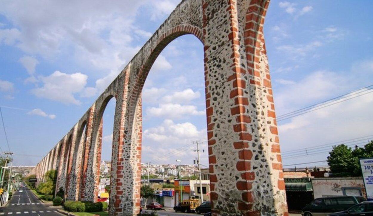 En Querétaro destacan los bordados en punto de cruz y las muñequitas de trapo