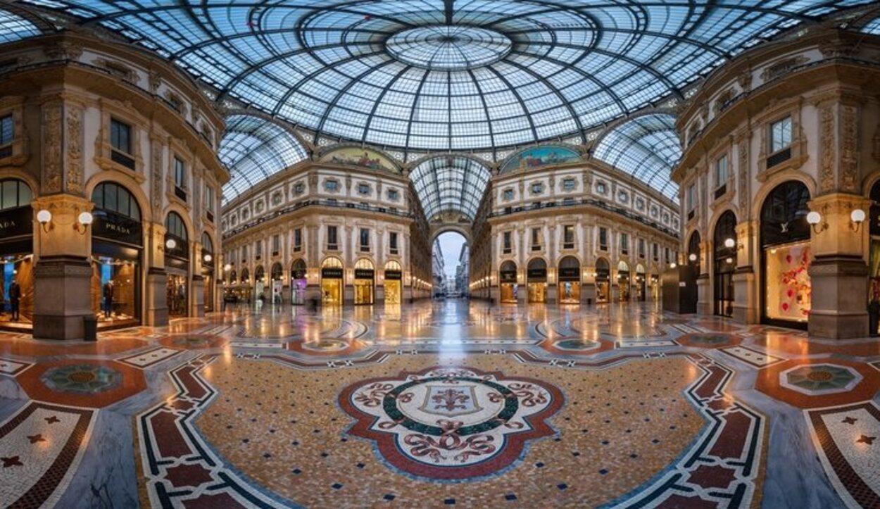 Una galería comercial de las muchas que surgieron en Europa en el siglo XIX