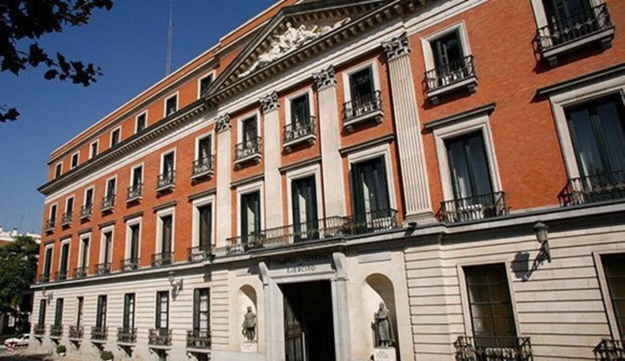 Tiene muy buena ubicación, pues se encuentra en la Plaza de Cibeles | Foto: esMADRID.com