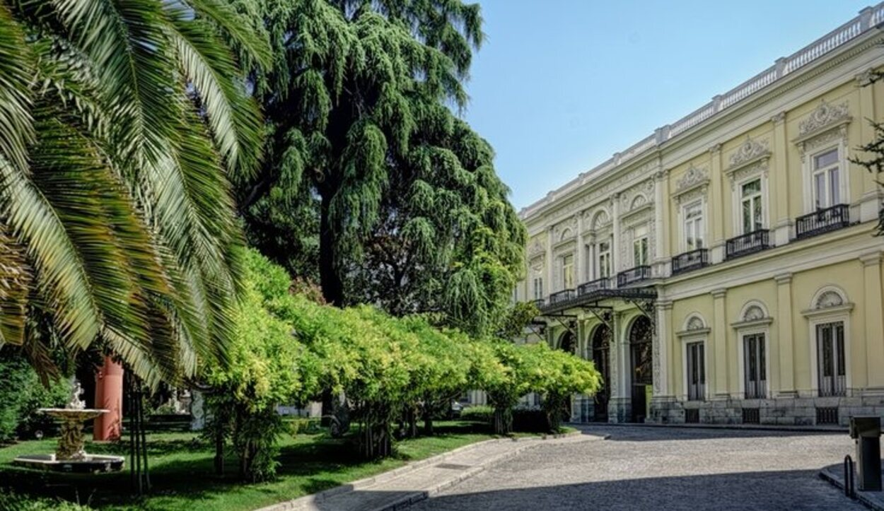 Situado en pleno paseo de Recoletos, este palacio fue la residencia del marqués de Salamanca