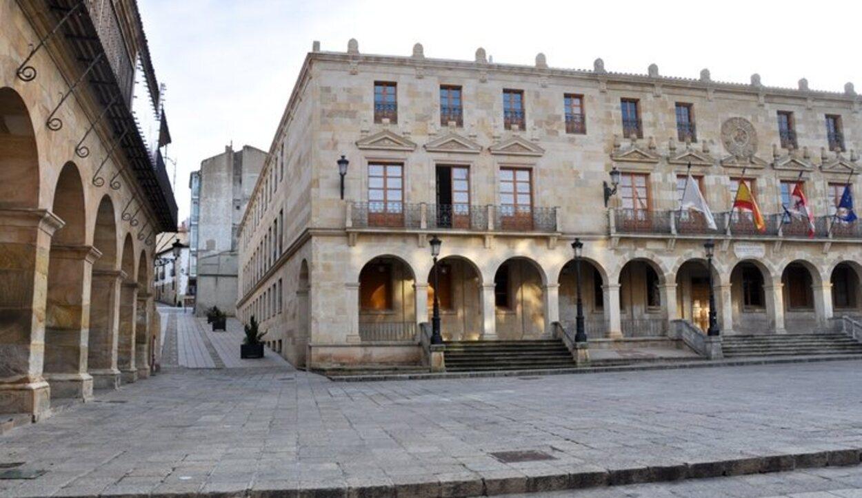 La Plaza Mayor de Soria es el núcleo de la vida local en el casco antiguo