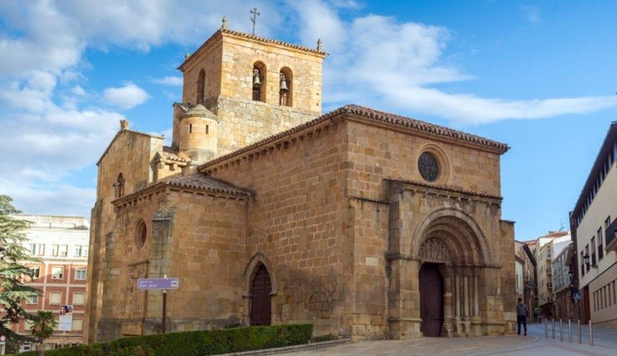 En el interior de la Iglesia de San Juan de Rabanera se conserva el crucero original