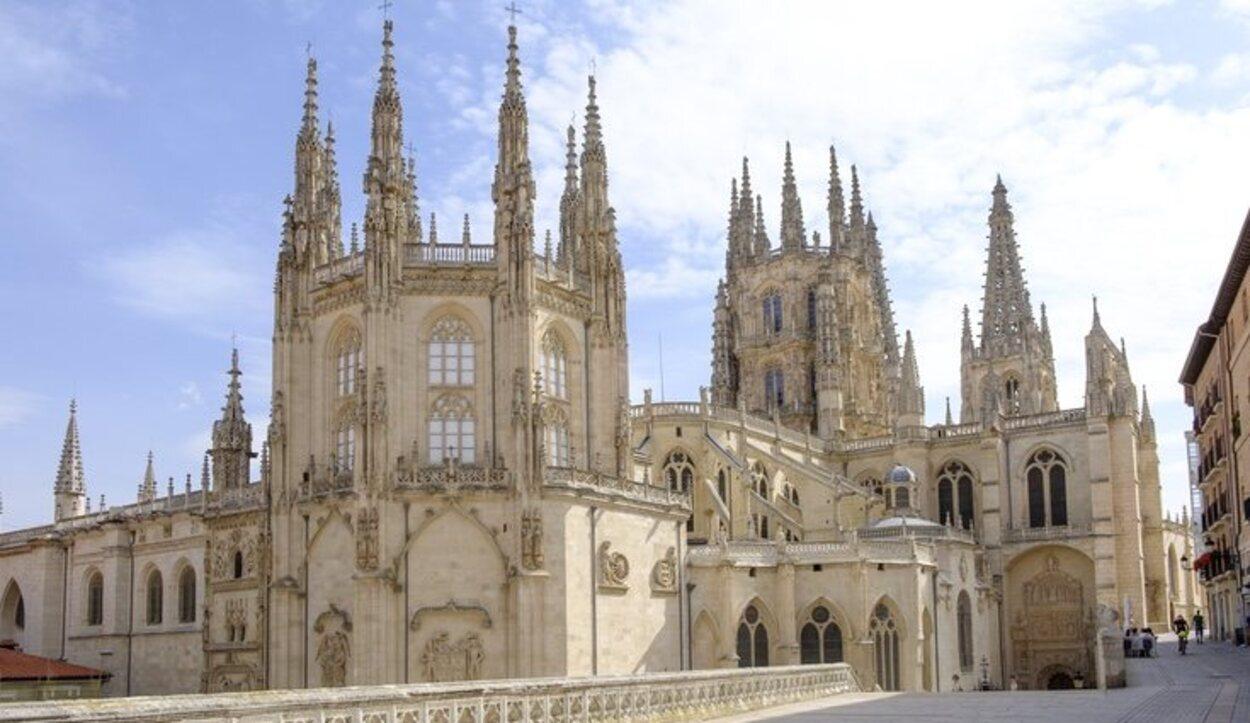 La Catedral de Santa María de Burgos es sin duda la joya más preciada de la ciudad
