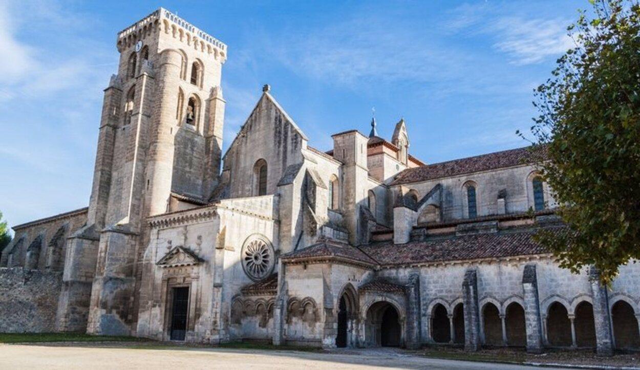 Si visitas el Monasterio de Santa María de Las Huelgas no puedes perderte su claustro