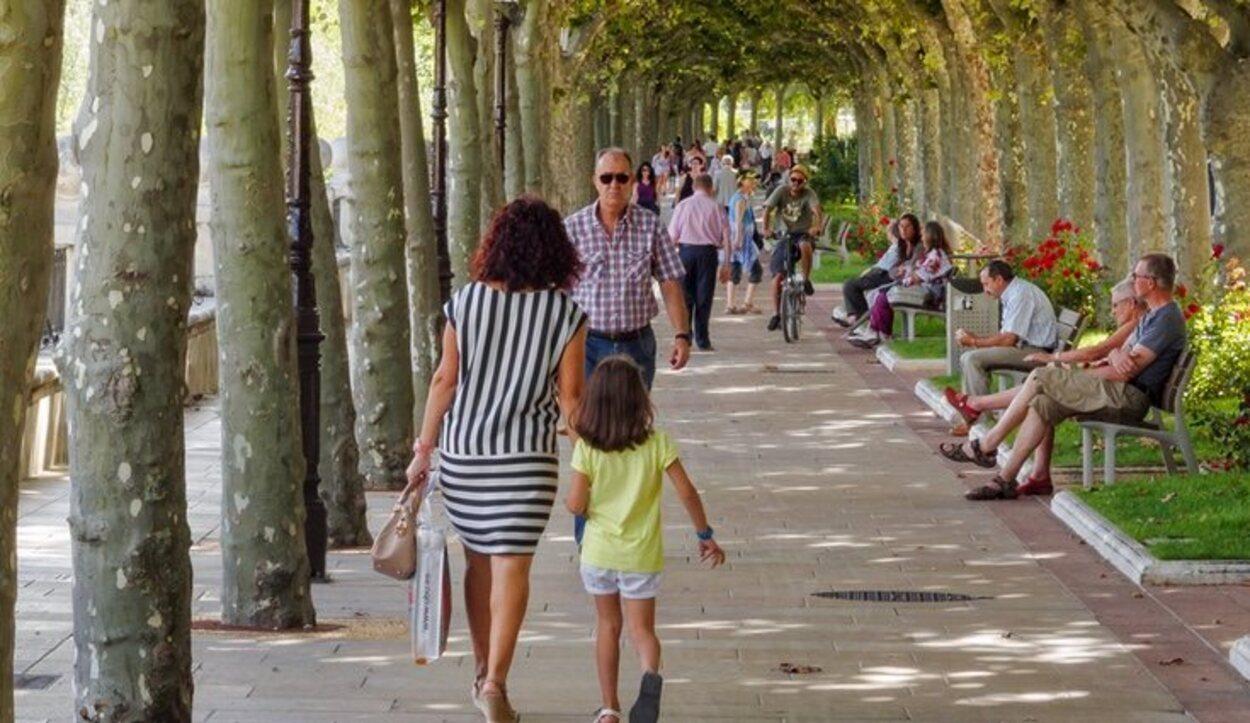 El paseo del Espolón es el paseo arbolado y ajardinado más céntrico y popular de Burgos
