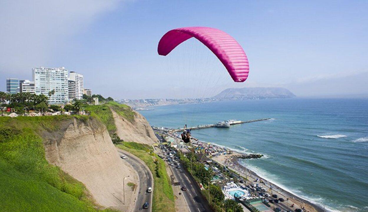 El parapente por Lima es la mejor opción para los más aventureros