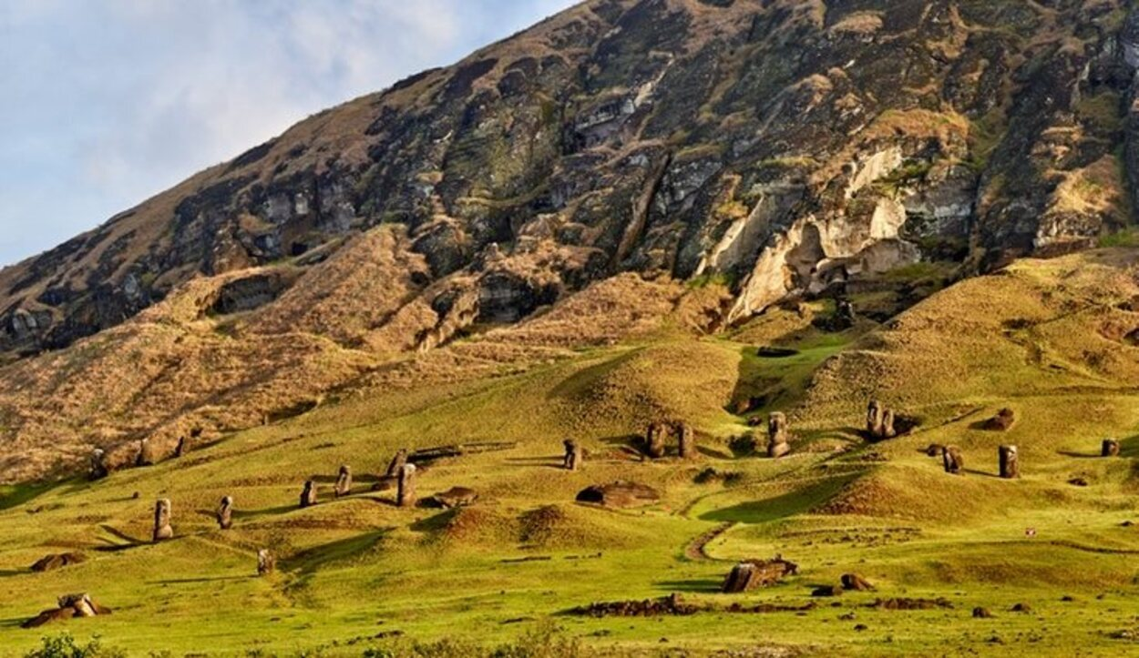 El volcán Rano Raraku fue una cantera durante unos 500 años