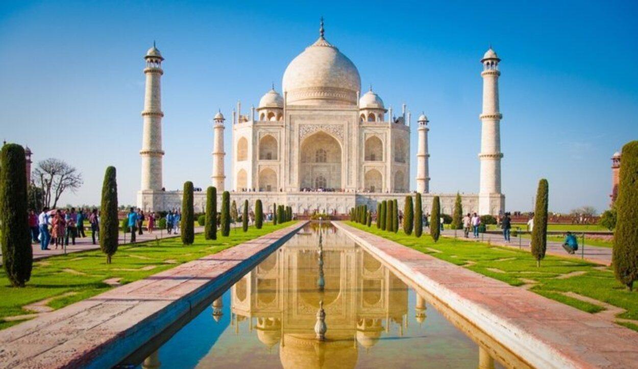 Más de veinte mil personas y más de mil elefantes participaron en la construcción del Taj Mahal