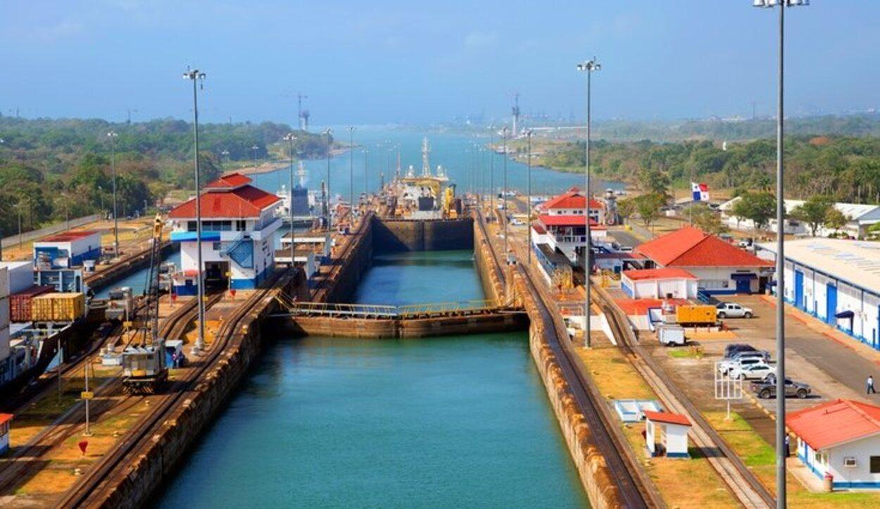 El Canal de Panamá fue una gran obra que consiguió lo que parecía imposible, unir dos océanos